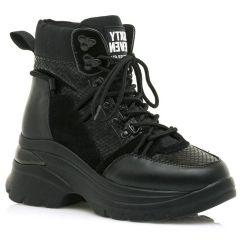 Δερμάτινο μαύρο sneaker SIXTYSEVEN 30300