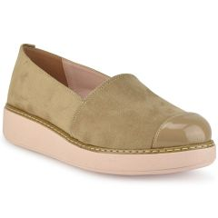 Beige Slip on with patent details ID250