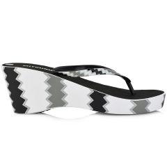 Black flip flop with platform SA64230