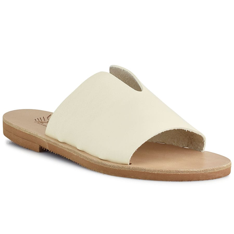 Δερμάτινη εκρού σαγιονάρα Iris Sandals IR9/26